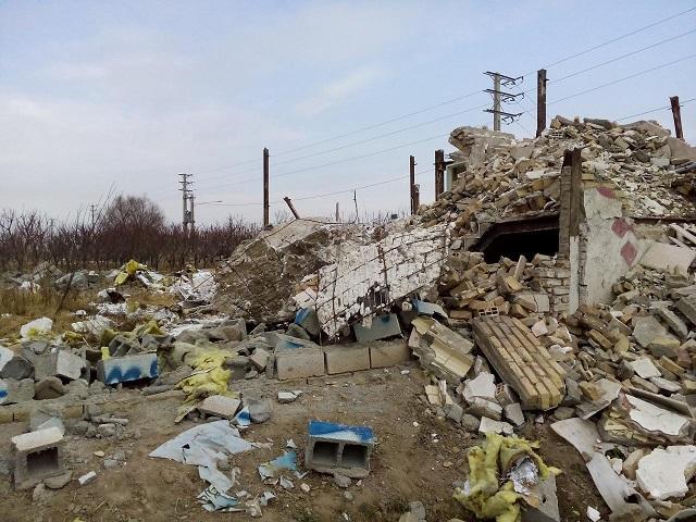 تخریب بناهای موجود در اراضی کشاورزی محمدشهر غیر اصولی انجام شد/ کاش همه به قانون تمکین کنند!