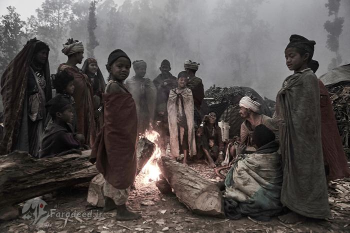 قبیله ای بدوی در نپال که غذای آنها گوشت میمون است