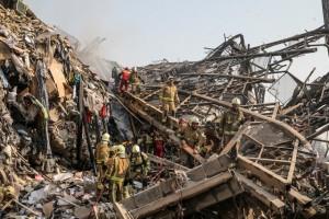 حادثه پلاسکو به روز چهارم رسید/ کشف سومین پیکر از آتشنشانهای مفقودشده تکذیب شد+ عکس و فیلم