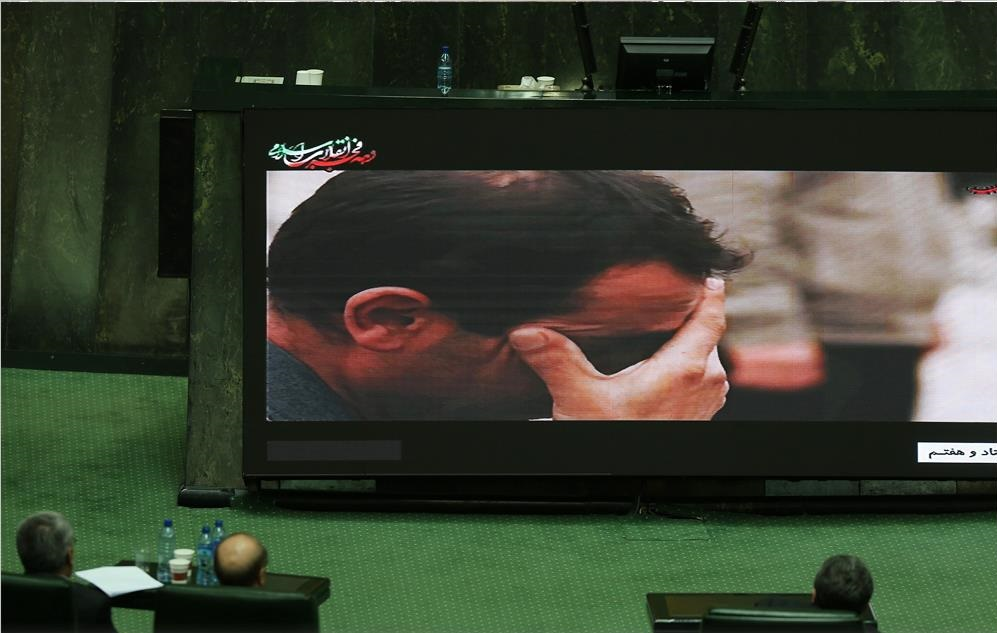 از چهارشنبه سوزی مجلس تا اختلال در نطق شهردار !/ تله فیلم پلاسکو در پارلمان/ کی دیر رسید؟