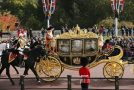 اصرار ترامپ برای سوار شدن به کالسکه ملکه در حین سفر به انگلیس