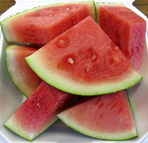 میوه ای که به کاهش چربی بدن کمک می کند