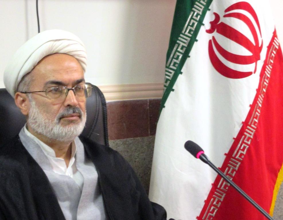 بدنبال تهی کردن نظام از ارزش های انقلاب اسلامی هستند/انتخابات شورای شهر ها از چهارچوب قانون خارج است