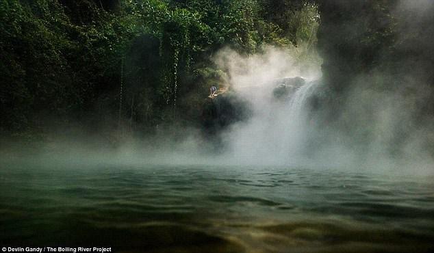 رودخانهای اسرار آمیز که همه چیز را آب پز میکند! +تصاویر