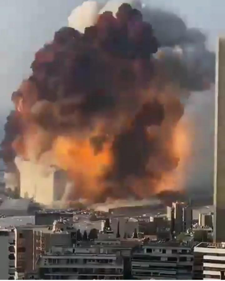 انفجار شدید در بیروت پایتخت لبنان